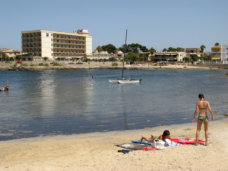 Beach of Cala Estancia