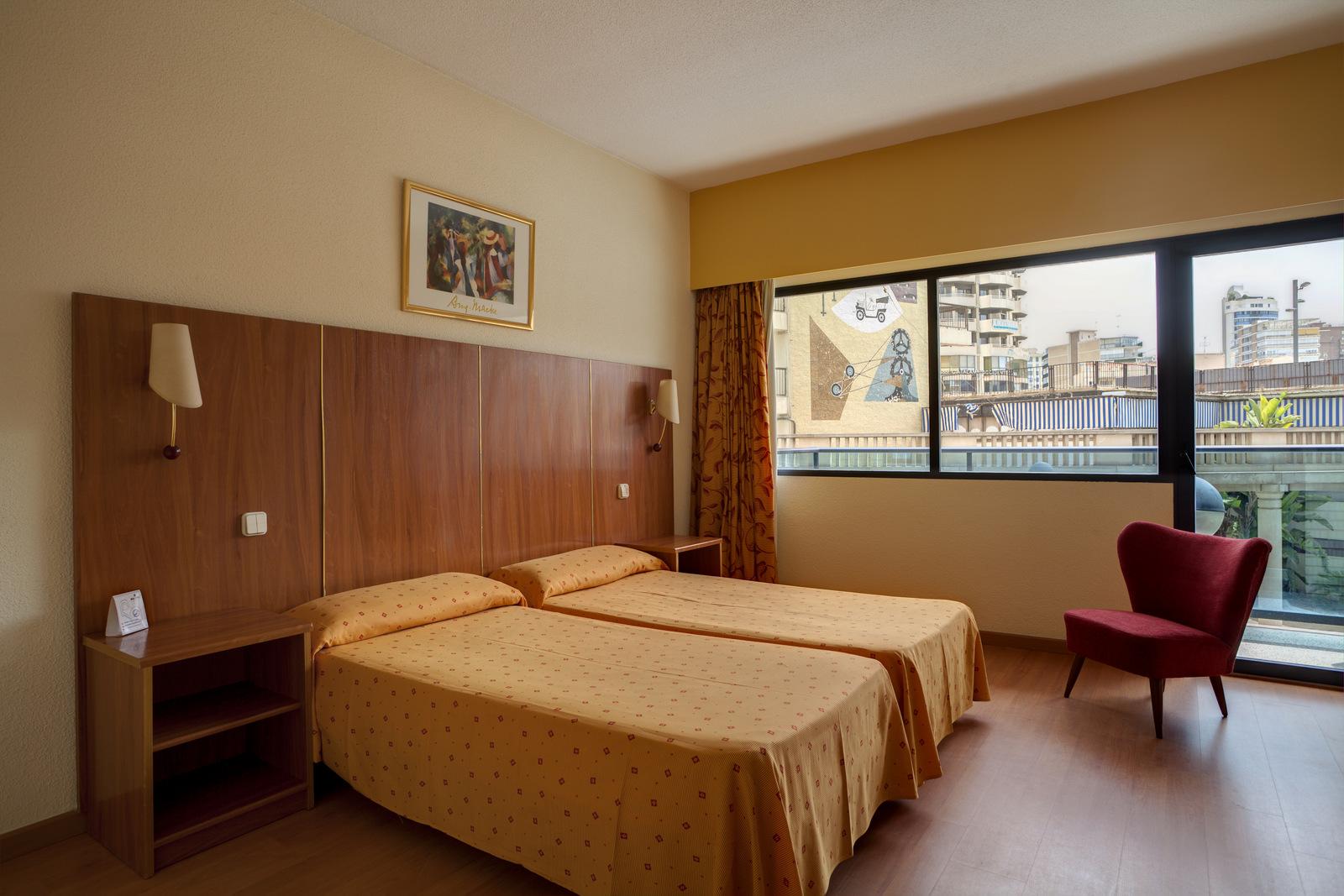 Hotel bristol park benidorm hotels and destinations for Hoteles con habitaciones familiares en benidorm